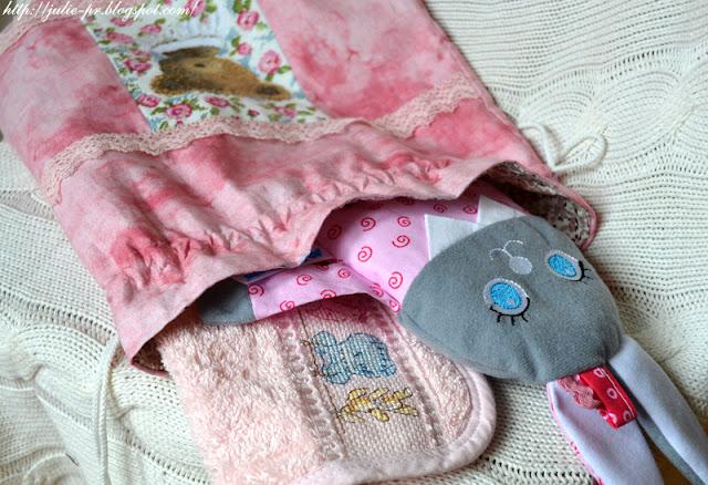 dmc teddy bear, La grande histoire de Bebe, Большая детская история, Les brodeuses parisiennes, Парижские вышивальщицы, вышивка крестом, слюнячик с вышивкой, мешочек с вышивкой