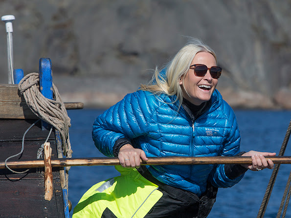Crown Princess arrived at the WWF annual conference in Svolvær by sea.