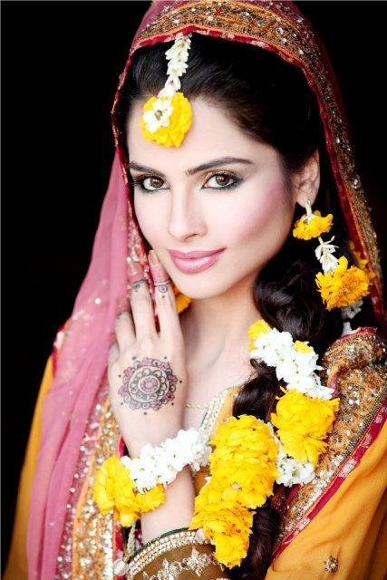 Bridal Makeup Ki Photo : Fashion Ki Dunia: Pakistani Bridal HairStyles for womens 2013