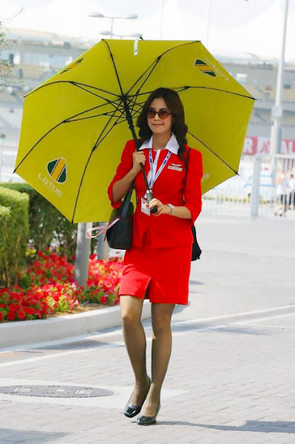 Foto Seksi Bening Pramugari Air Asia7