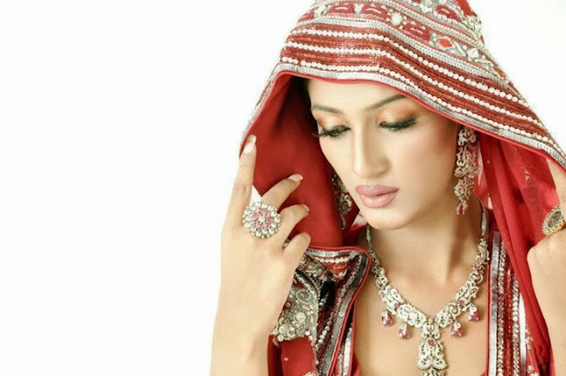 Mathira Khan HD Wallpaper Free Download