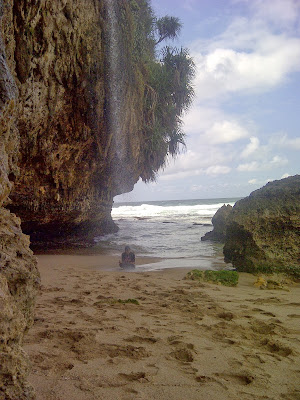 Mata Air tawar yang ada di pantai seruni