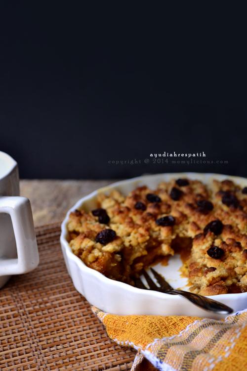 Caramelized Banana & Cappuccino Crumble