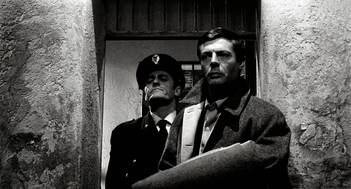 Marcello Mastroianni est Martelli dans L'Assassin d'Elio Petri