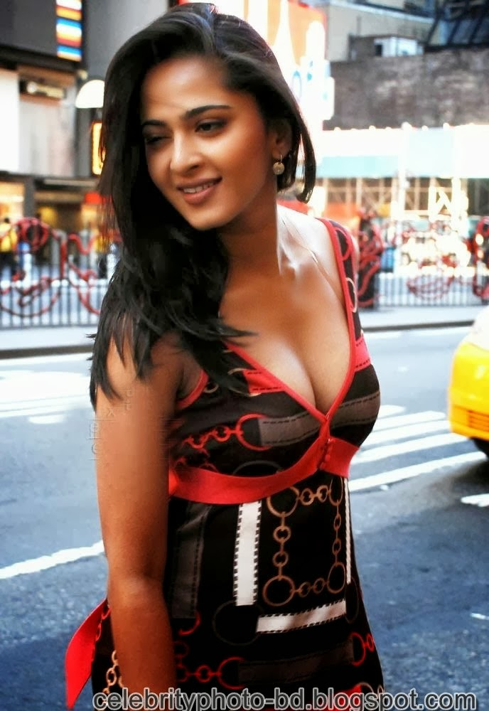 Anushka+Shetty%2527s+Sizzling+Photoshoot008