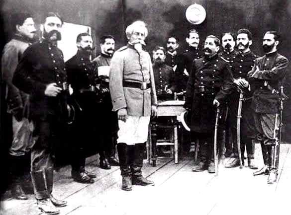 Foto de Francisco Bolognesi con los oficiales de Arica