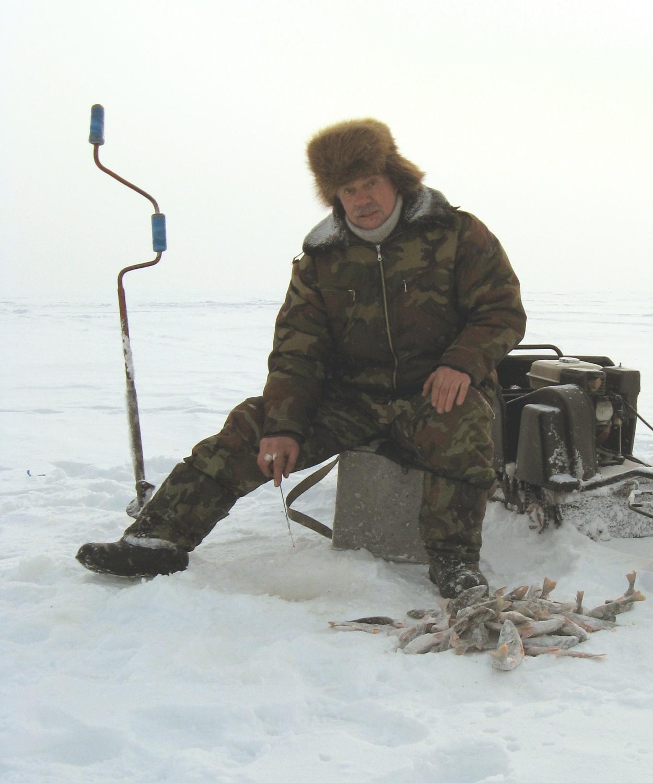 теплые зимние сапоги на зимней рыбалке- важное условие успеха