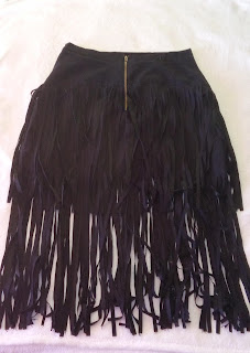 www.oasap.com/skirts/61340-chic-faux-suede-tasseled-skirt.html?Starfish_fashion