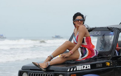 Vimala Raman Hot Leg Show Latest Photos