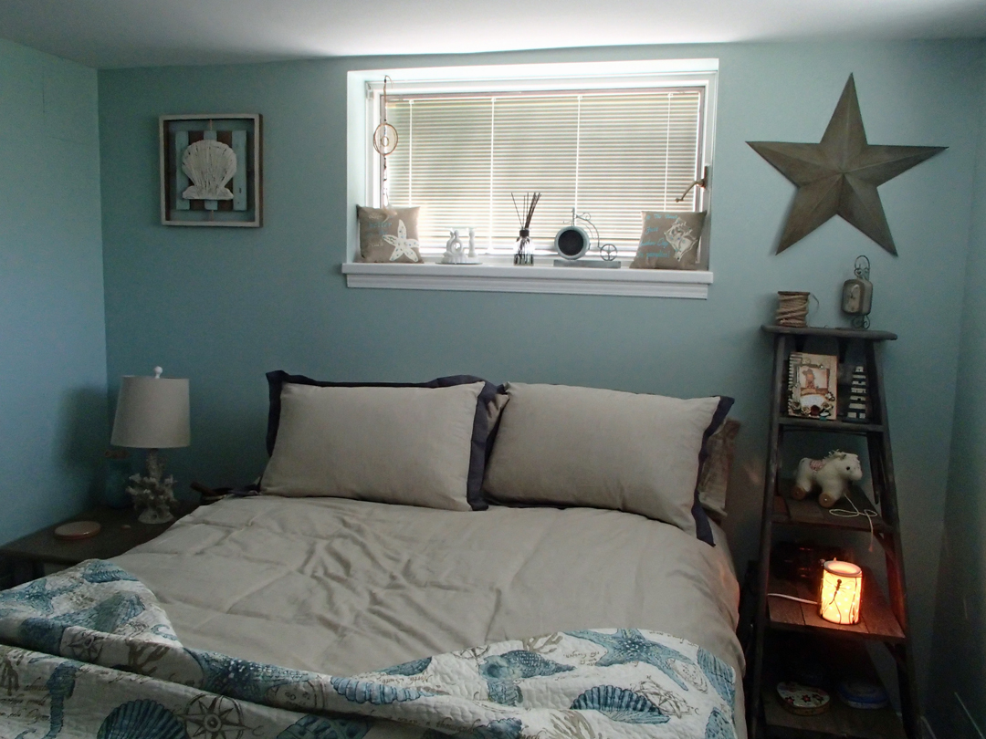 summerthyme studio my ocean themed bedroom. Black Bedroom Furniture Sets. Home Design Ideas