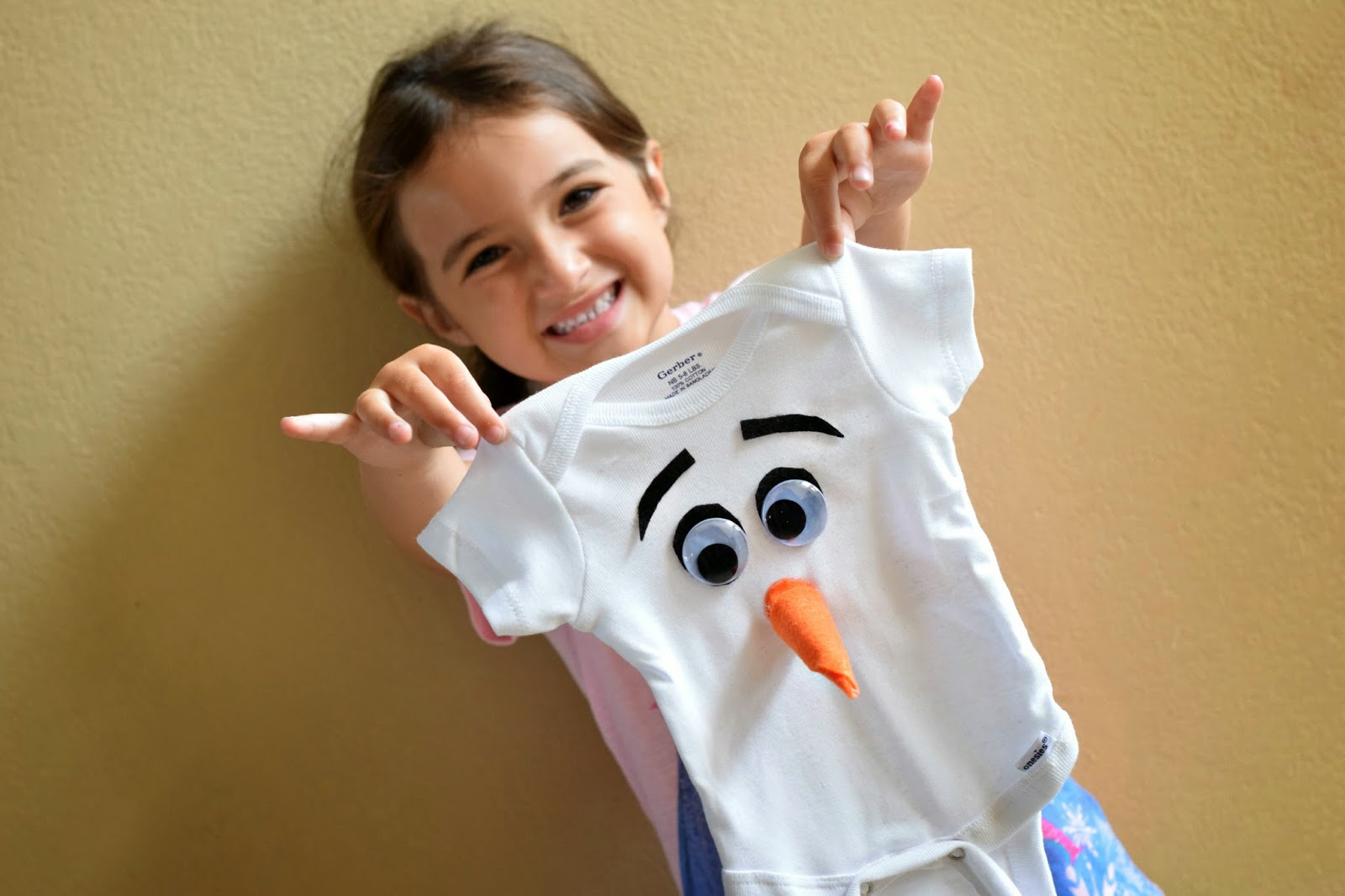Mommy Testers, FROZEN big sister gift, DIY Olaf Onesie, #FROZENfun