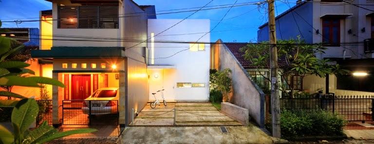Rumah kiri-konsep-desain-bangunan-rumah-modern-fasad-putih-02