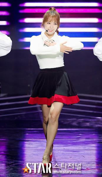 Song Jieun 25 Live