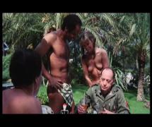 Mon curé chez les nudistes (1982)4