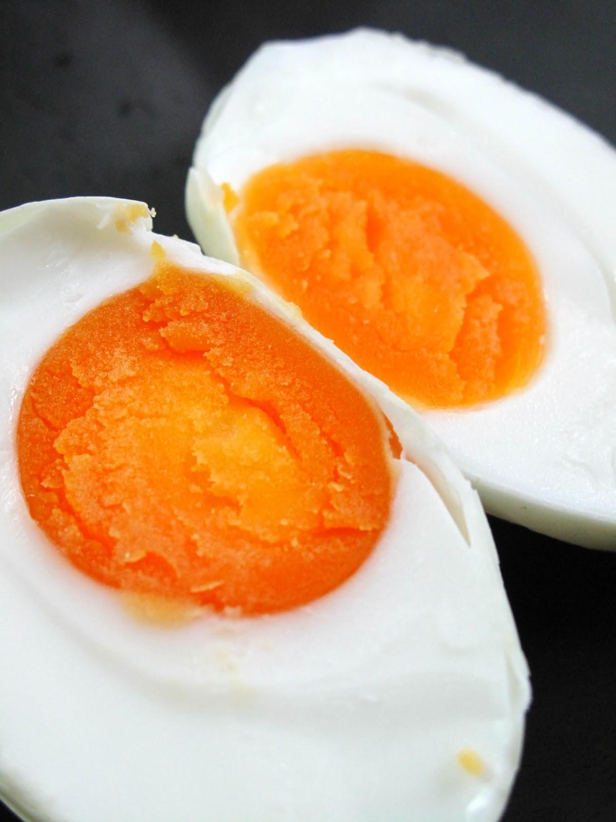 Simple menu homemade salted eggs