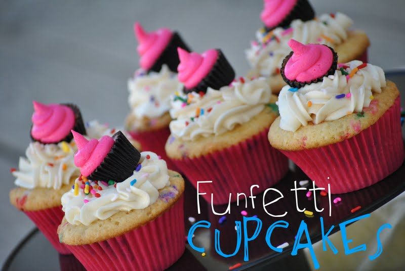The Farm Girl Recipes: Homemade Funfetti Cupcakes