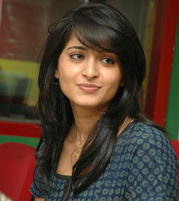 Anushka Hot Chubby Expressions Latest Photos