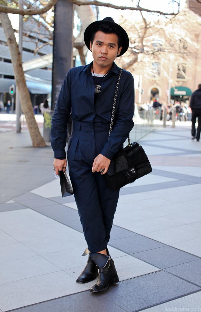 my fashion tricks i love men that hold handbags