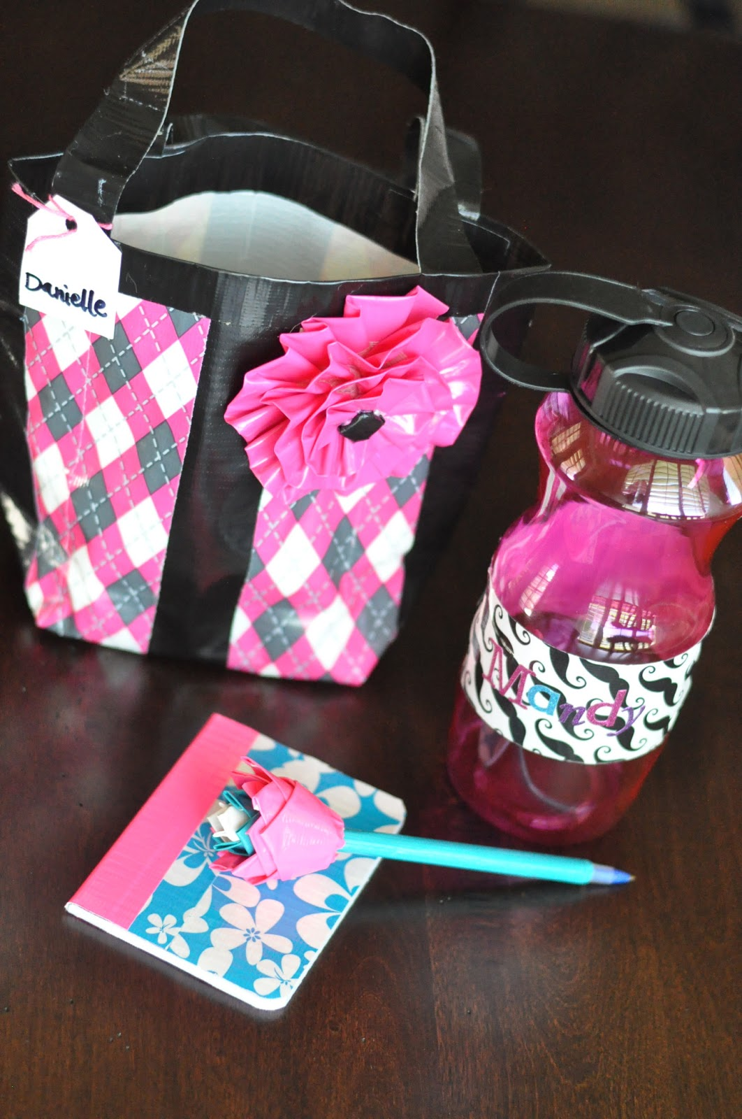 Duct tape girls camp crafts ideas little birdie secrets for Duct tape bedroom ideas