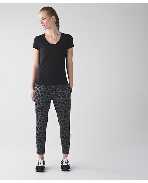 lululemon-jet-crop cherry-cheetah