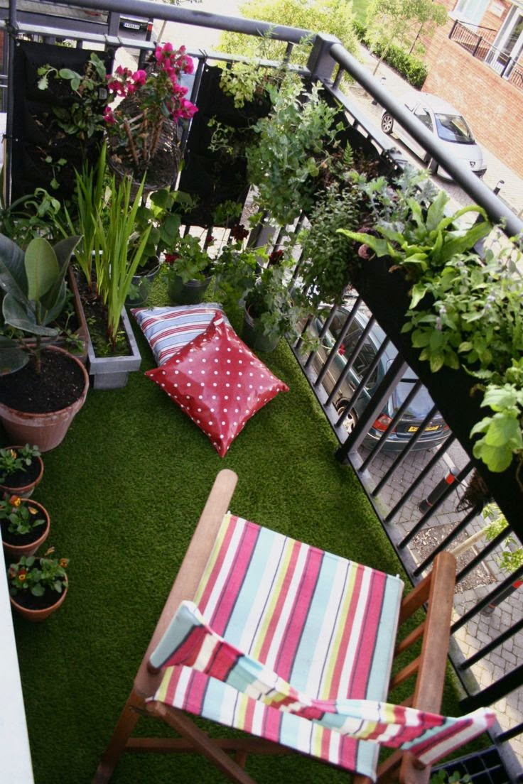 La buhardilla decoraci n dise o y muebles una buena - Cesped artificial terraza ...