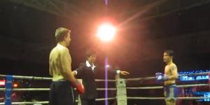 Il pari qu' il peut battre un boxeur thaïlandais