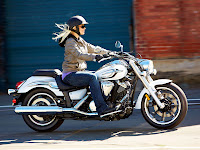 2013 Yamaha V-Star 950 Motorcycle Photos 4