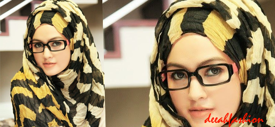 Jilbab Kerja Modis Yellow Stripes