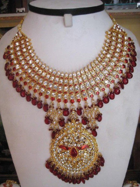 Traditional Women Kundan jewelry Trends