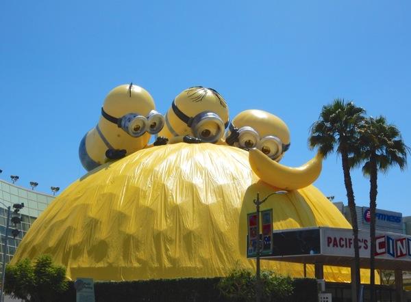 Special Minions Cinerama Dome stunt