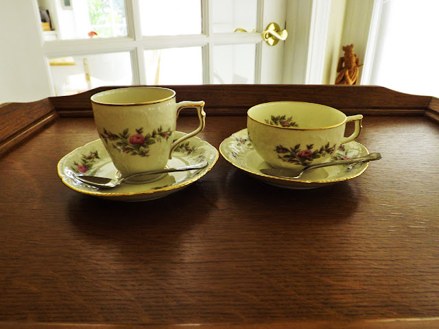 To The Left Is A Demite For Coffee And Right Tea French Word Demi Te Means Half Cup This Rosenthal Sanssouci