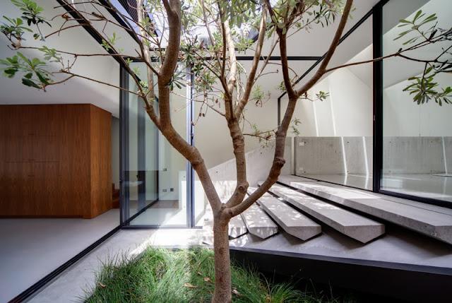 Indoor atrium modern design by for Atrium inside house
