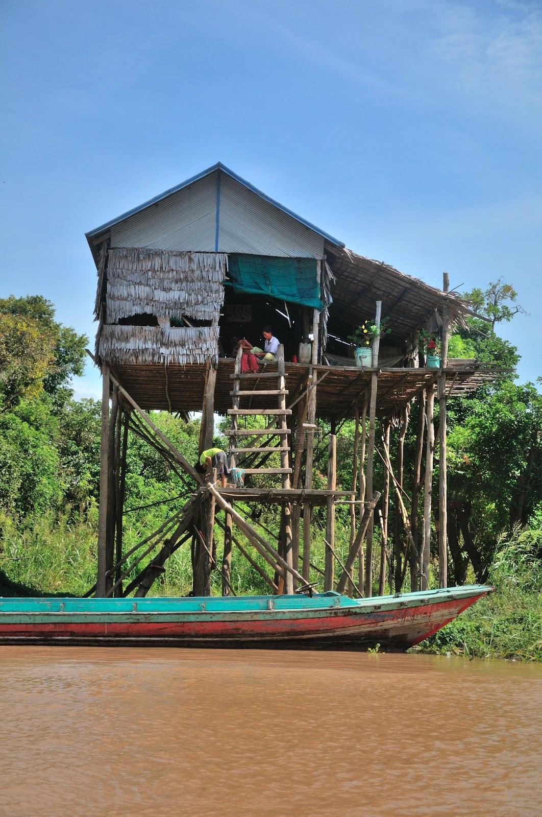 Racconto viaggio cambogia fantasieidiviaggio it for Piccoli progetti di palafitte