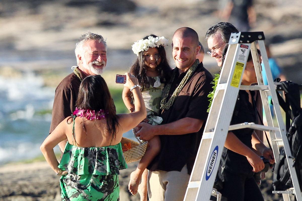 http://4.bp.blogspot.com/-mZTbB2Wmo2w/Ti3-LHCcMUI/AAAAAAAABok/grQc6nMwZ0g/s1600/Hawaiian+Wedding2.jpg