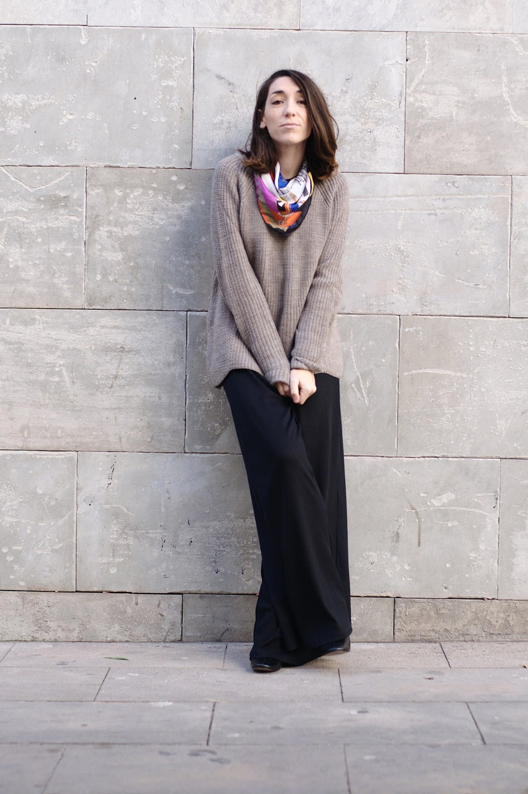 Pantalones HM, jersey Mango, boteines Zara