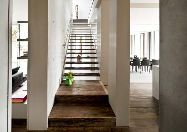 A palette of exposed concrete boned basalt amazing home - Images escaliers interieur maison ...