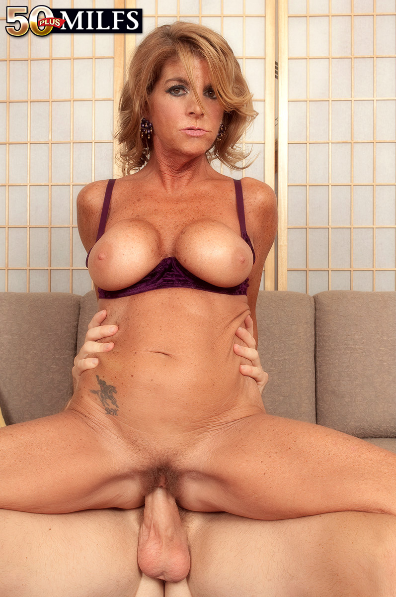 50 year old milf fucks hot stud fucking hot amateur vid 3