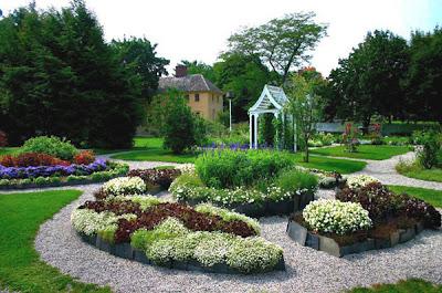 Desain Taman Rumah yang Indah