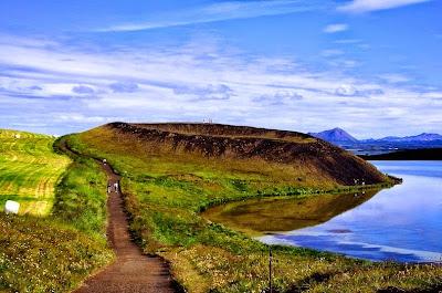 Menelusuri Kawah Palsu Di Islandia