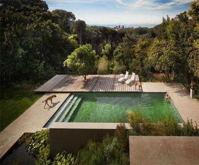 Milowcostblog sue o con piscinas verdes - Piscina gresite verde ...