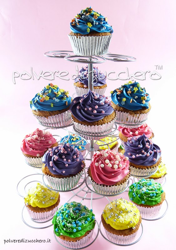 Come fare i cupcakes ricetta del frosting al philadelphia for Decorazione torte e cupcake