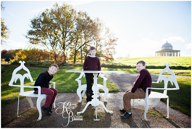 hardwick park, hardwick park family photoshoot, family photos north east, north east family photographer, autumn family photoshoot, autumn family photographs