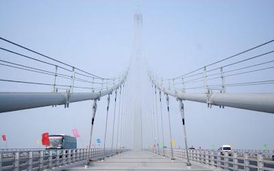 افتتاح اطول جسر بحري فى الصين