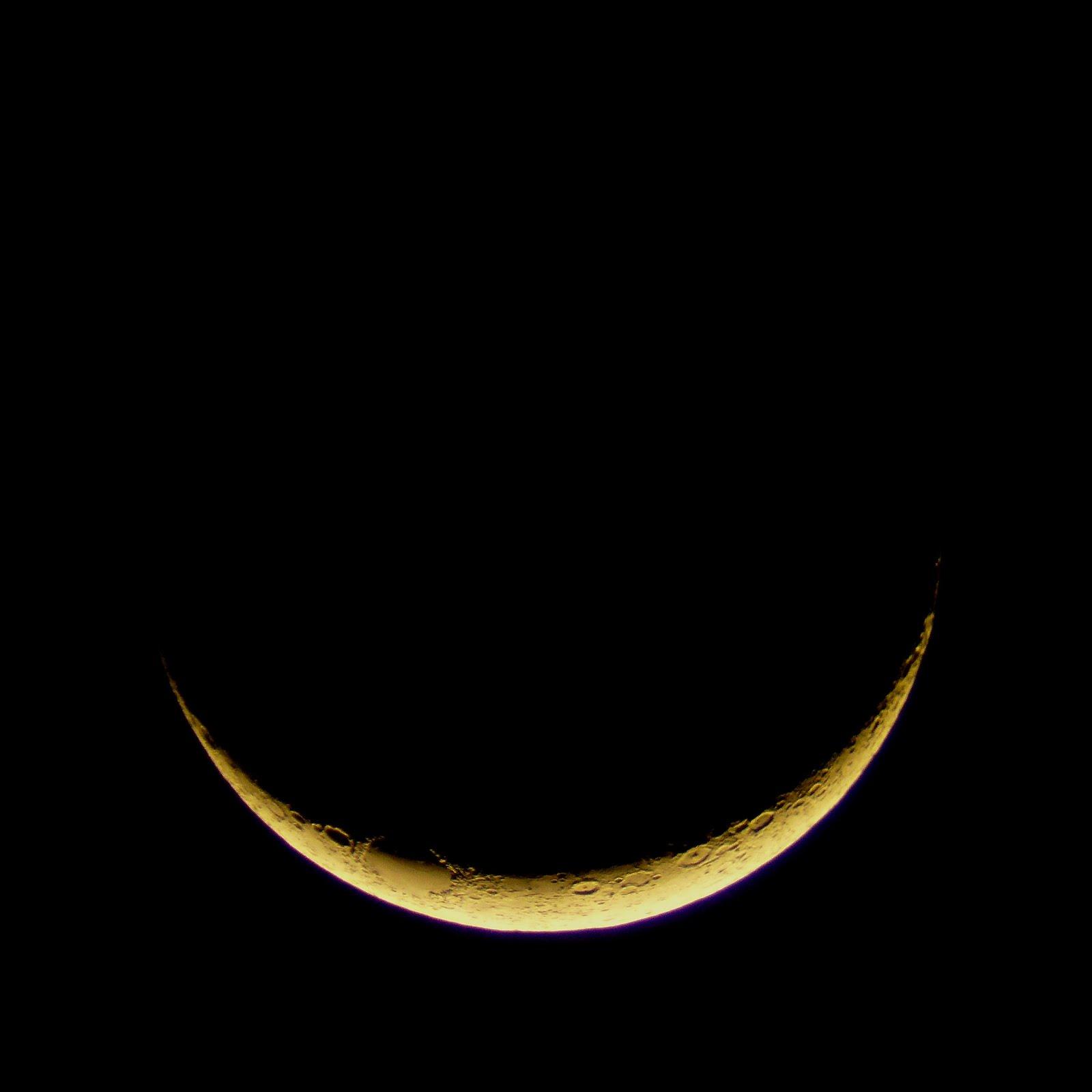Moon%2B3%2Bday%2Bold%2B2%2Bcopy.jpg
