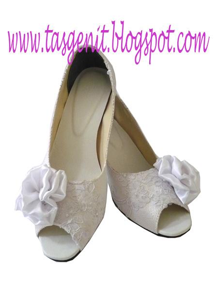 Sepatu Pesta Wedding Brokat Putih (KODE 888)