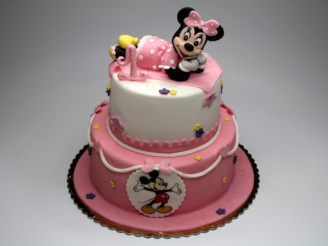 Disney Cake with Minnie Mouse - Kensington