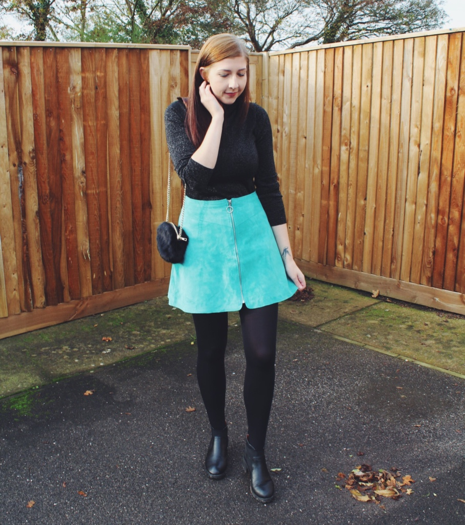 asos, asosloves, asseenonme, wiw, whatimwearing, lotd, lookoftheday, ootd, outfitoftheday, fbloggers, fashionbloggers, fashionpost, turquoiseskirt, alineskirt, rollneckjumper, primark, fluffybag