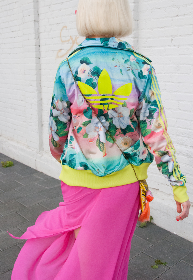 sporty streetstyle, tropical prints, tracksuit adidas originals
