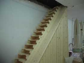 Miguel sevil carpintero escaleras y barandillas for Escaleras en poco espacio
