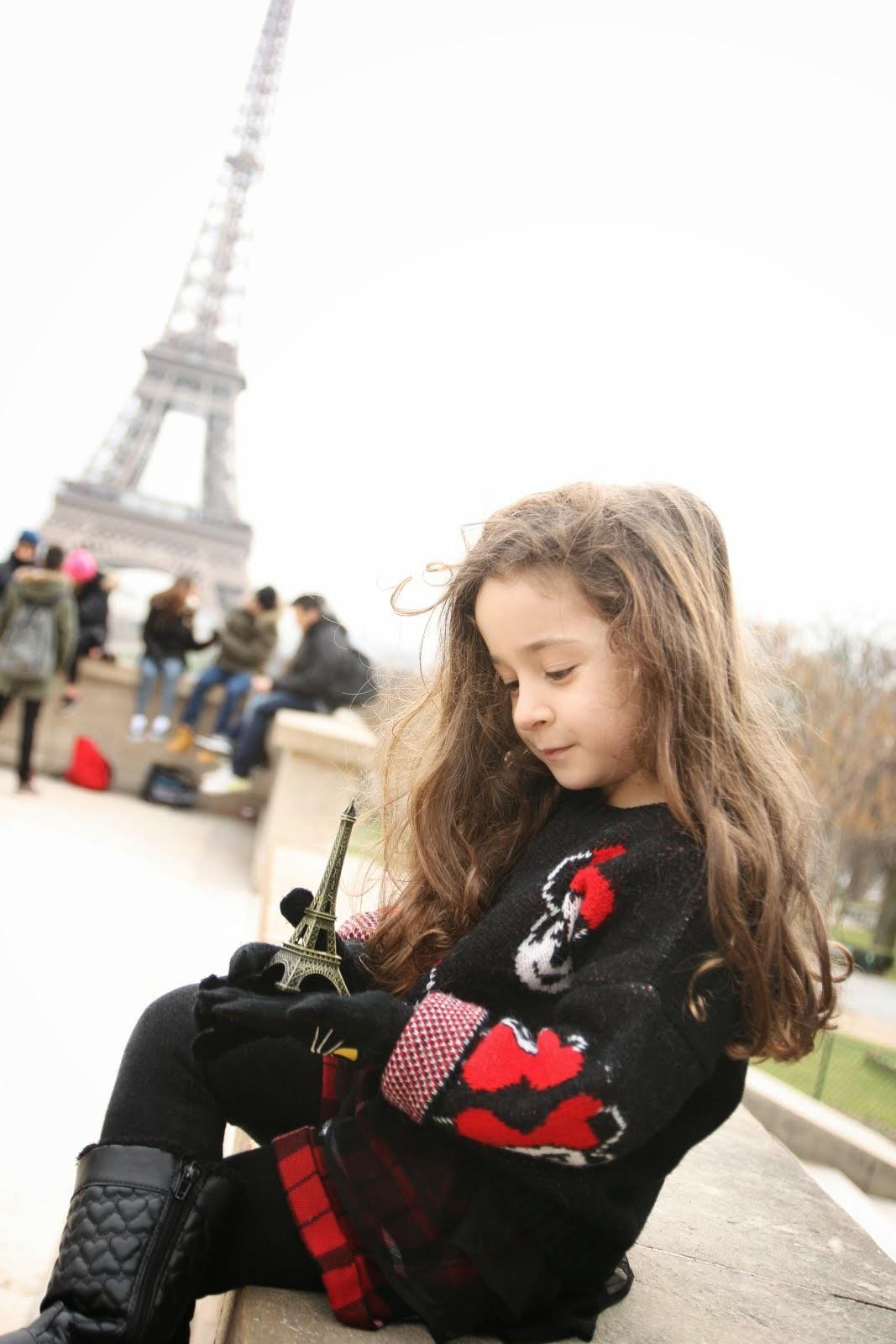 Aysu Paris'te